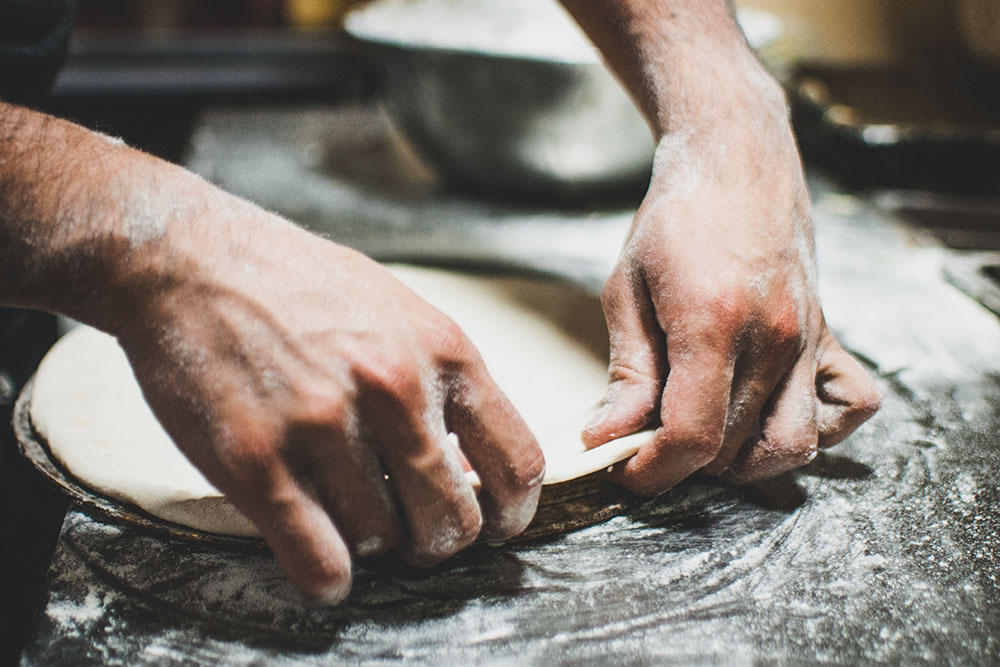 How to tell if pizza dough is kneaded enough
