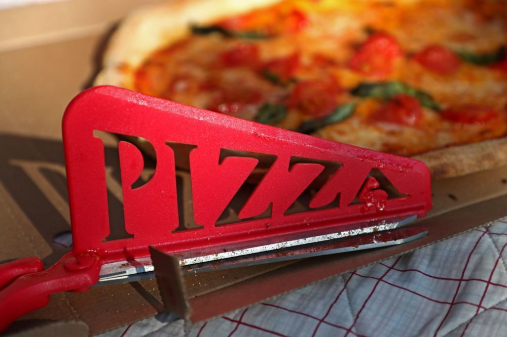 Pizza Scissors- A New And Better Way To Slice Pizza?